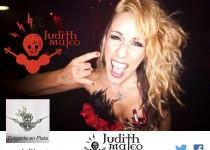 judith-rockera-colgante
